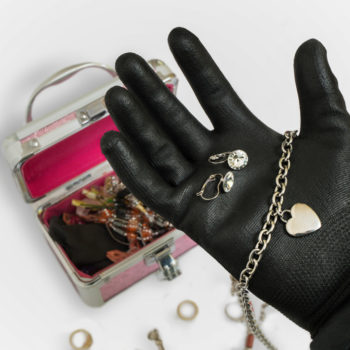 jewellery theft