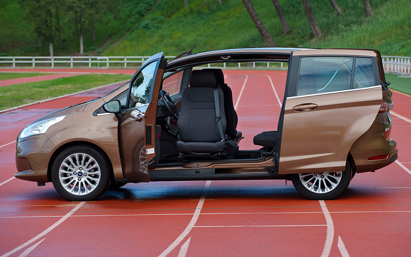 The Turnout BIS B-Max is a complete solution for the Ford B-Max. The kit includes the Turnout swivel base, vehicle specific mounting bracket and a seat with integrated belt. The kit has passed both crash and pull tests.