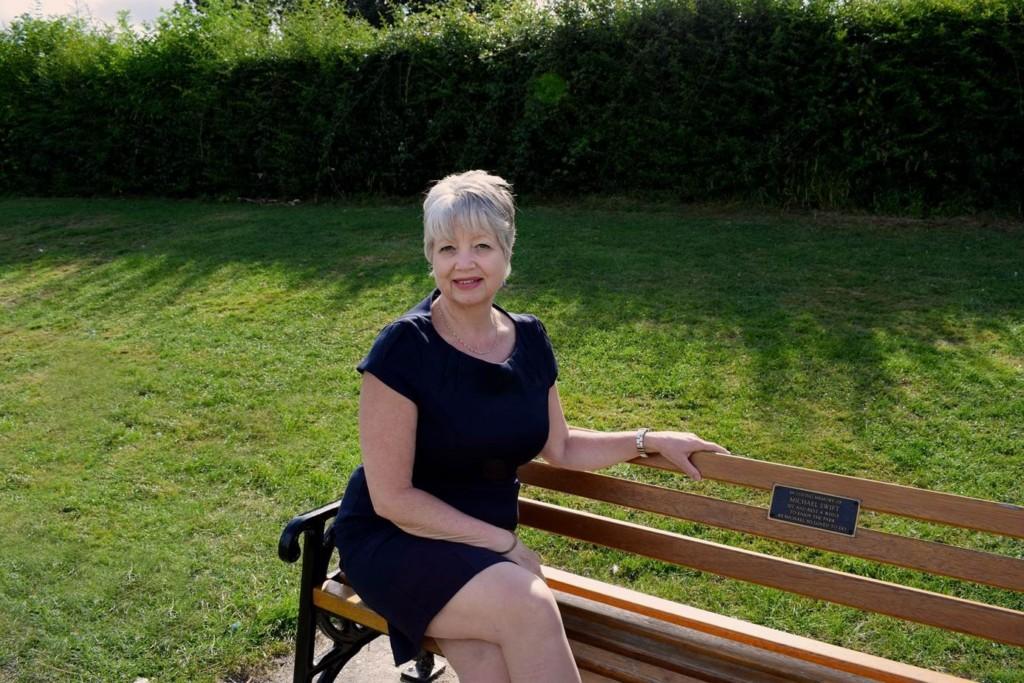 Sue Earrey
