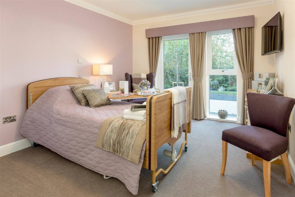 Show Suites at Queens Manor Care Home