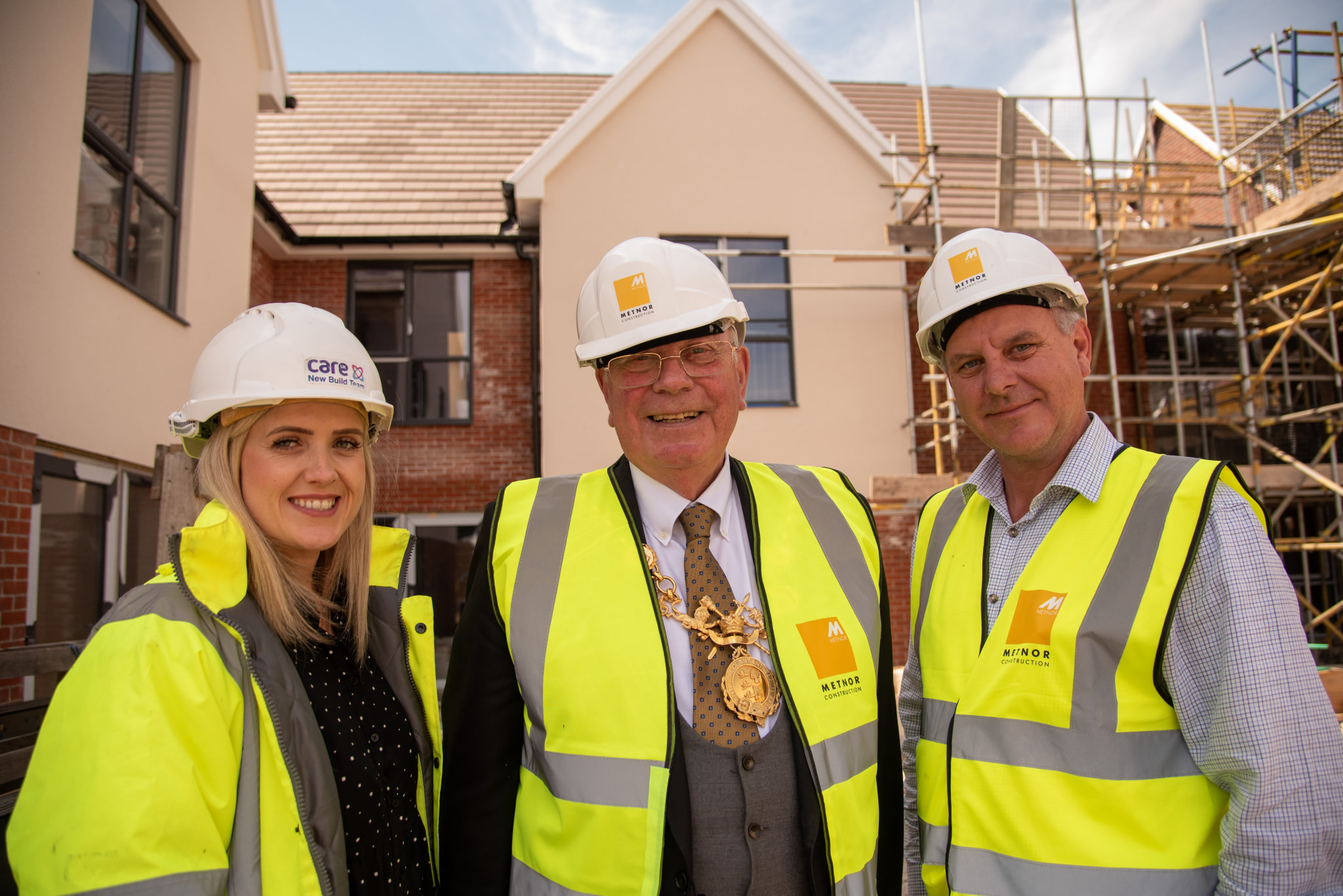 DeewaterGrange_PR-15 Mayor of Chester Alec Black visits Care UK newest site Deewater Grange in Huntington Chester pictured with Richard Dixon Metnor