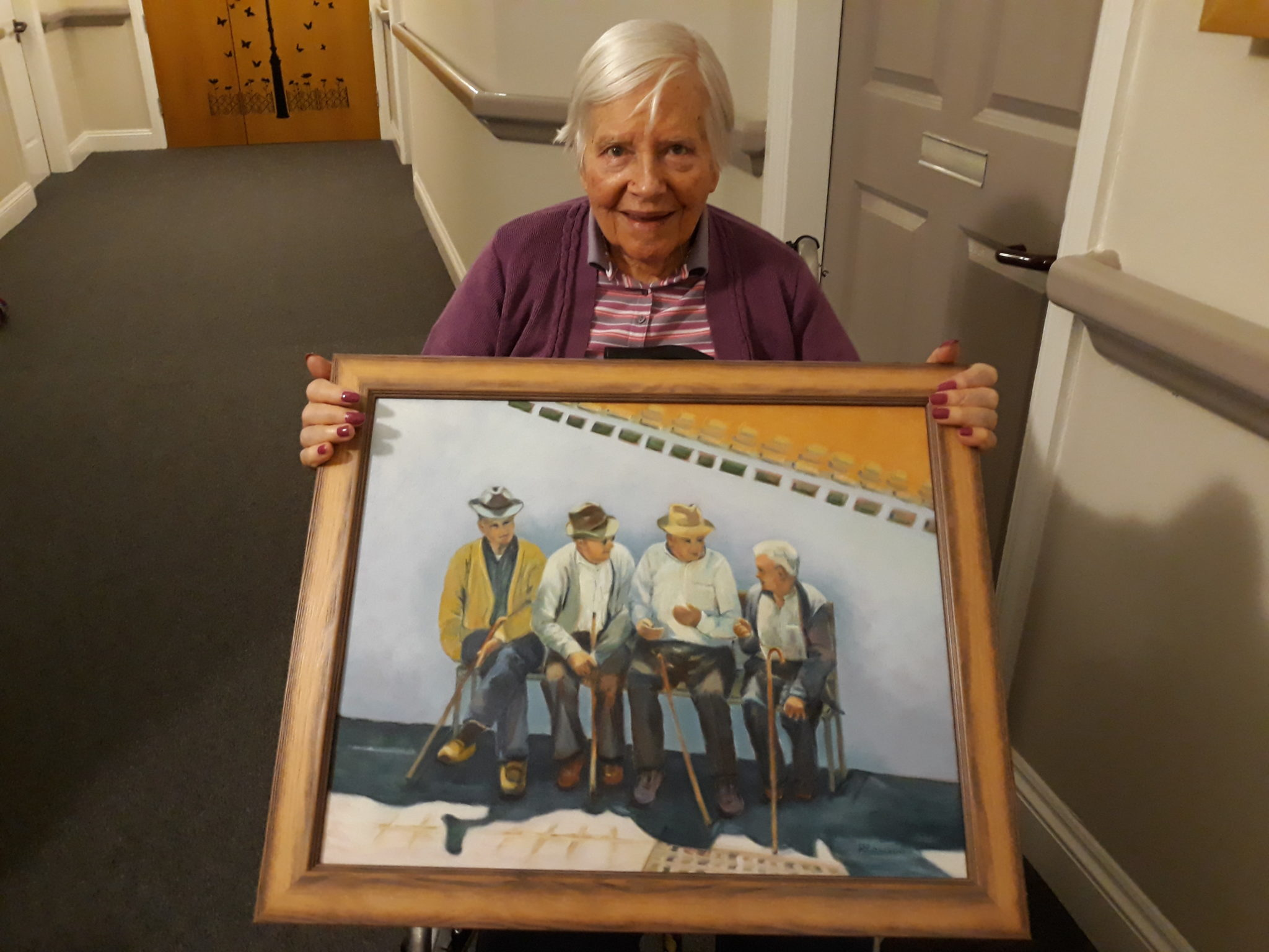 Elizabeth Court resident Rhona Rawson with her painting