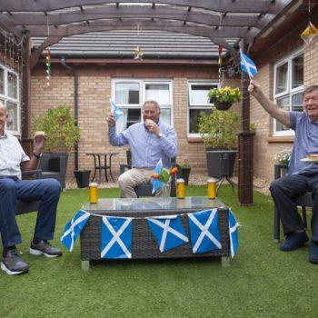 Euros at Croftbank – L-R – Jim Kennedy Alan Rough and Eddie Craig. Pies-min
